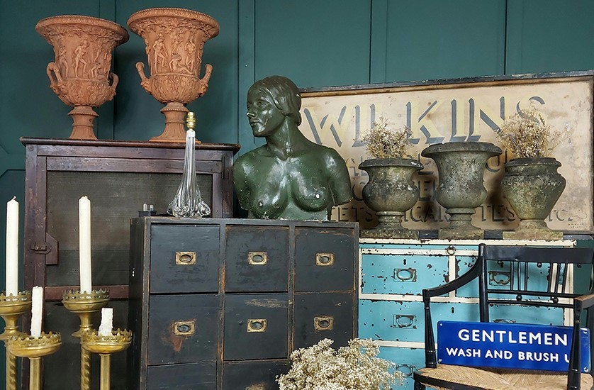 Hunt & Gather Antiques at Arthur Swallow Fairs