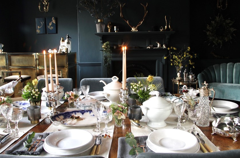 A Fabulous Table set for Christmas | House of Hummingbird at The Hoarde